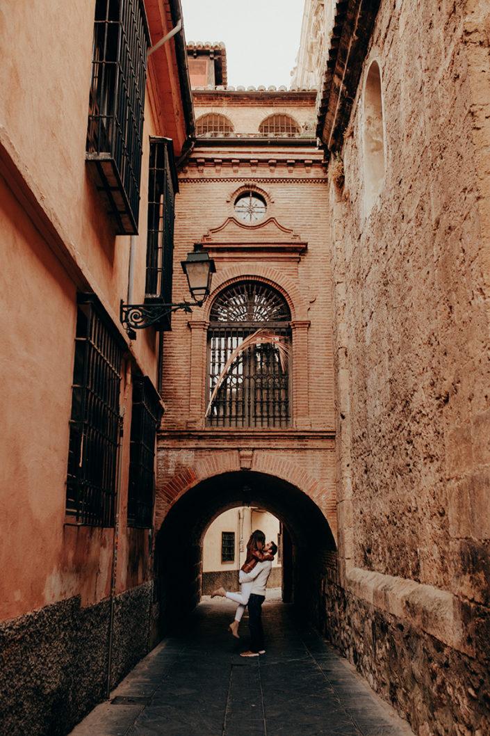 Spanien, Pärchen, Fotoshooting, Natürliche Paarfotografie, Liebe, Verliebt, Verlobt, Zärtlichkeit, Granada, Andalusien, Paarshooting