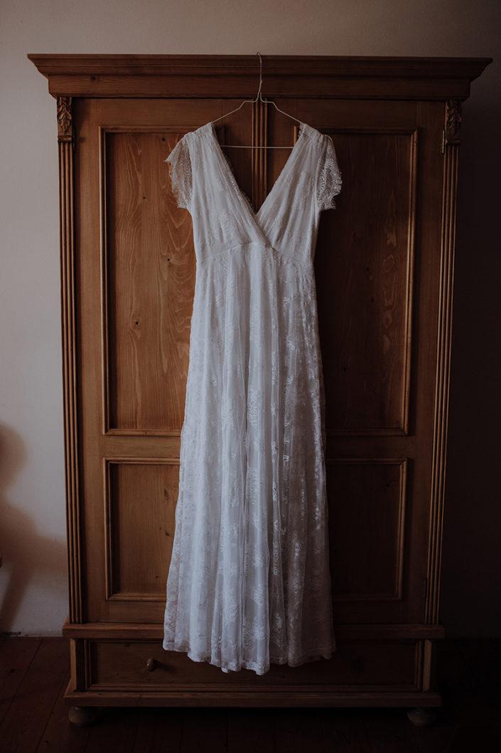 Hochzeitskleid, Huberspitz Alm, Almhochzeit, Berghochzeit, Schrank, Hochzeitsfotograf