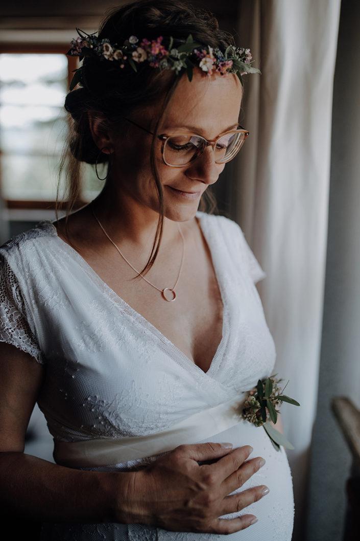 Hochzeitskleid, Huberspitz Alm, Almhochzeit, Berghochzeit, Schwanger heiraten, Babybauch