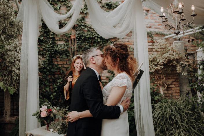 Trauung, Hochzeit, die alte Gärtnerei, Kuss